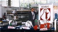 كاندي غرانيس أسس إنوكسبا من الشركة الأم مضخات فيليز، والتي صنعت مضخات المياه.